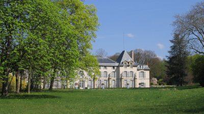 Signatures Singulières - Château de Malmaison, exposition les meubles à secrets.