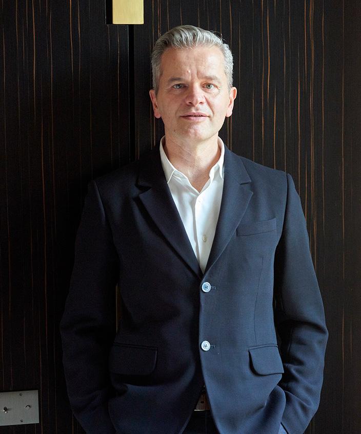 Signatures Singulières - Pascal Allaman - Architecte d'intérieur - Boiserie en ébène de Macassar