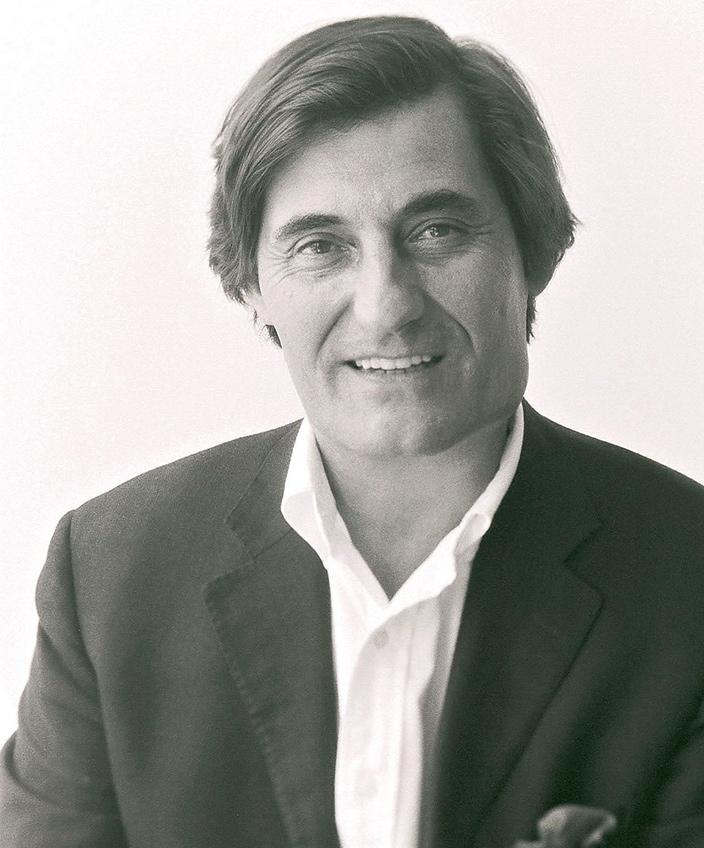 Signatures Singulières Magazine. Michel Roset president de Ligne Roset et Cinna.