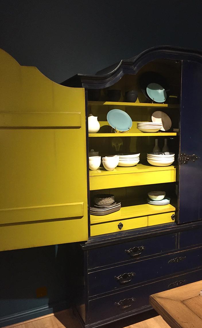 Signatures Singulière - Moissonnier - meuble peint - Buffet bleu foncé