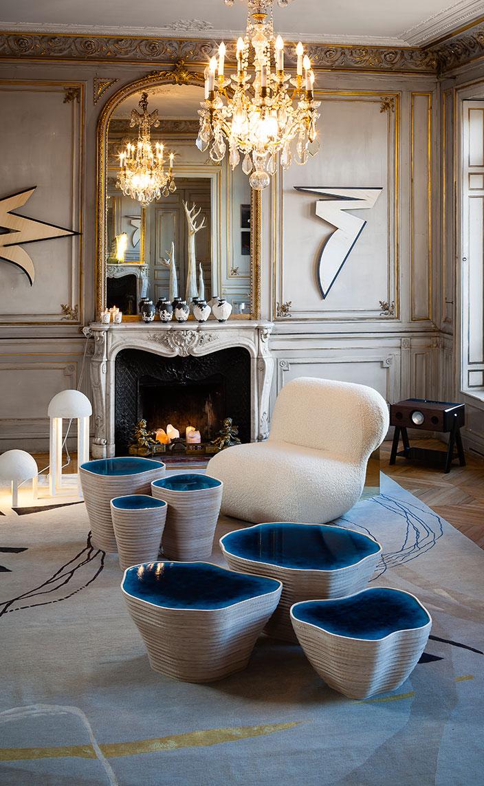 Signatures Singulières - Julien Lagueste - designer- table basse en resine bleue Souvenir des iles - Private Choice - Mobilier Theoreme Editions