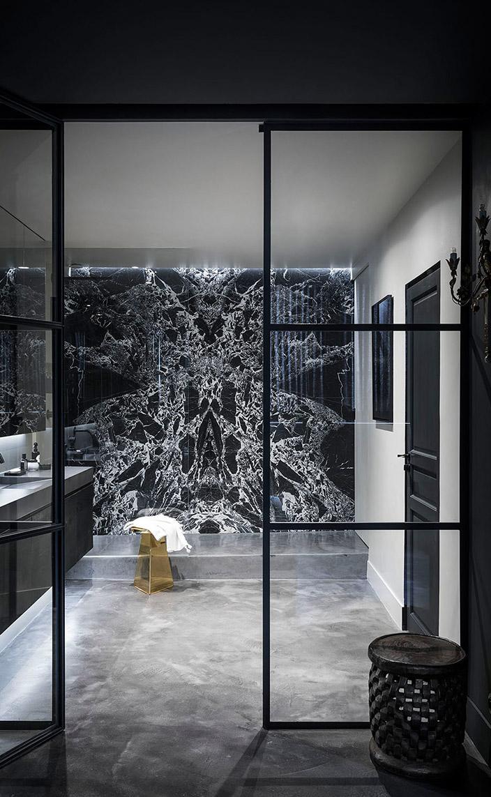 pierre gonalons - architecte d'interieur - salle de bain en marbre grand antique - signatures singulieres