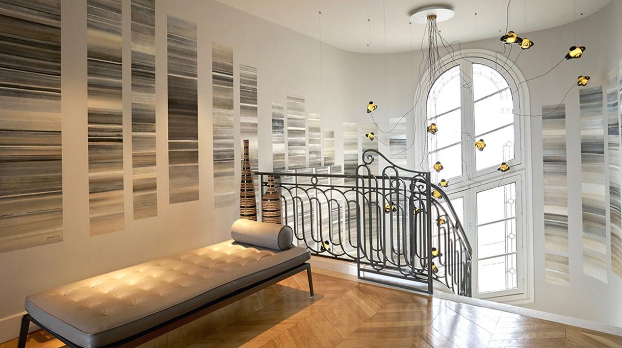 caroline besse - artiste decor mural - talent francais - rampe d'escalier en fer forge - signatures singulieres magazine