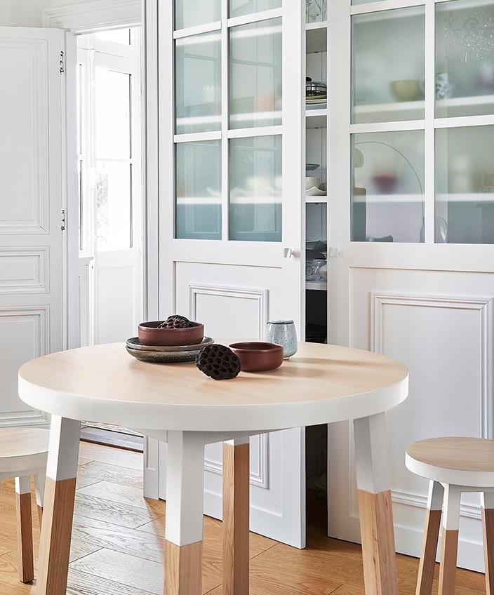 mon petit meuble francais - mobilier made in france - table de repas ronde - signatures singulieres - le magazine des talents français
