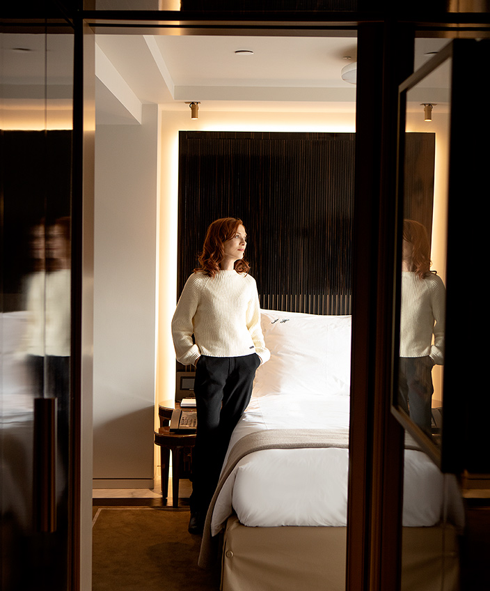 isabelle huppert - suite hotel lutetia - palace parisien - signatures singulieres magazine