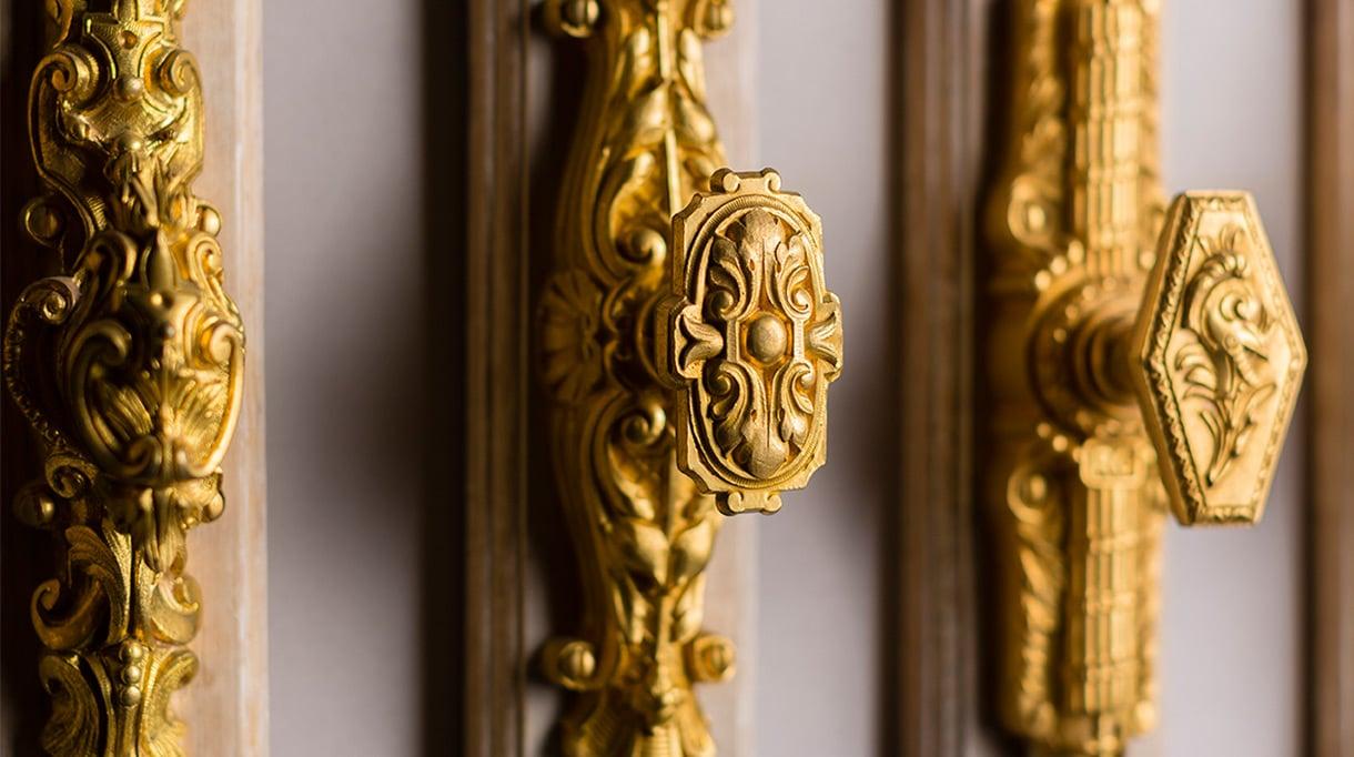 remy garnier - cremone en bronze dore - signatures singulieres magazine